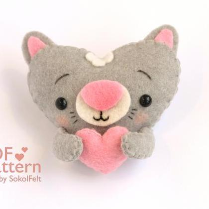 Felt baby cat toy sewing PDF patter..