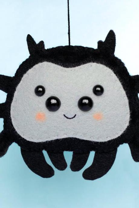 Little spider felt toy PDF and SVG patterns, Halloween ornament, Halloween garland