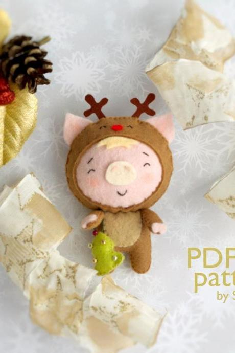 Christmas pig toy sewing PDF Pattern, Felt Christmas piglet in a deer costume ornament, Christmas tree toy, Baby crib mobile toy