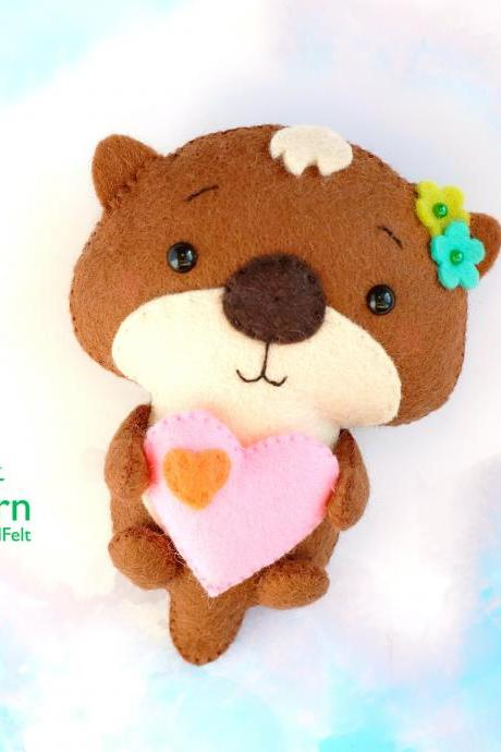 Felt otter with heart PDF and SVG pattern, Valentine's Day felt toy sewing tutorial, baby crib mobile toy