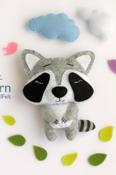 Felt raccoon toy sewing PDF pattern, Felt woodland animal pattern, baby crib mobile toy, felt raccoon ornament