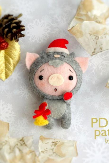 Christmas pig toy sewing PDF Pattern, Felt Christmas piglet in a kitty costume ornament, Christmas tree toy, Baby crib mobile toy